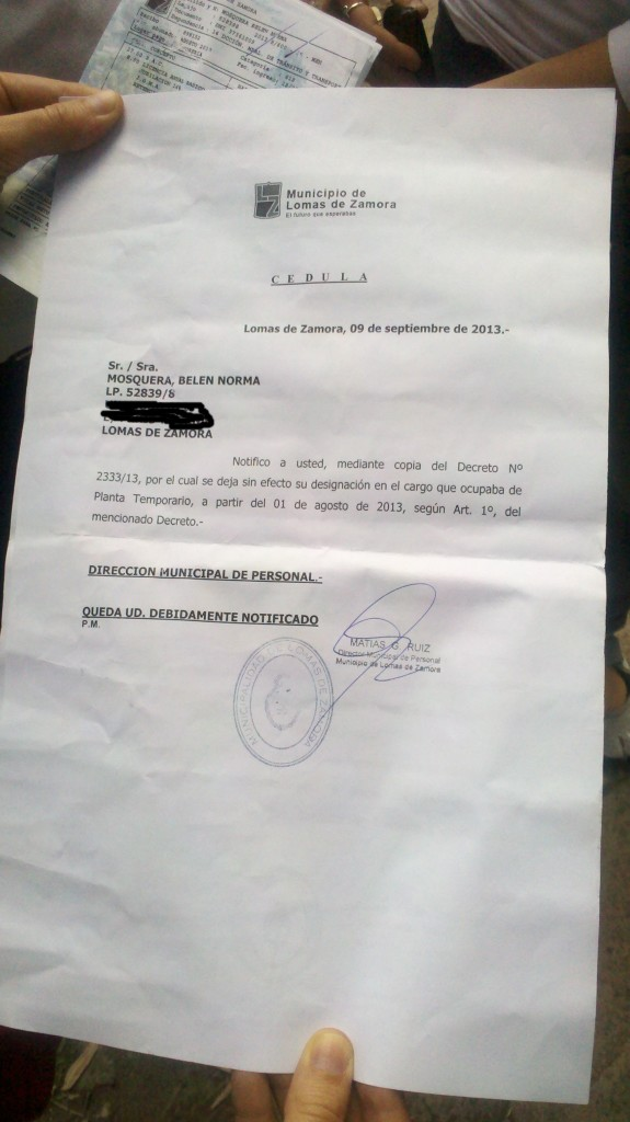 Constancia de la cesantía decretada por la municipalidad dirigida por Insaurralde.