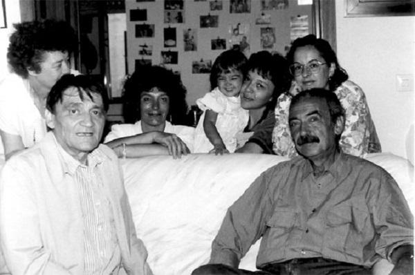 Gelman junto al poeta Daniel Moyano